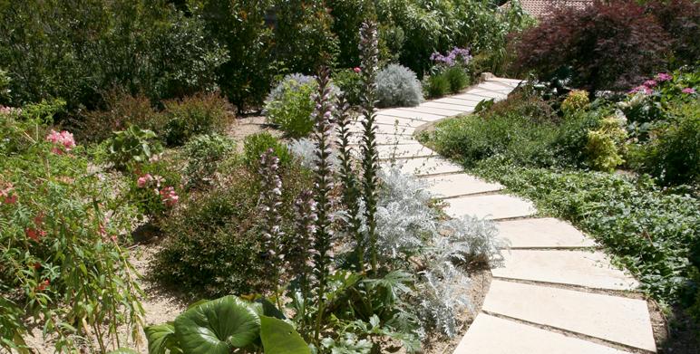 modern english garden calas 13 landscape architect thomas gentilini design garden landscape. Black Bedroom Furniture Sets. Home Design Ideas
