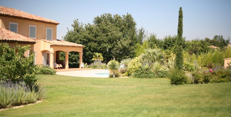 Residential garden Calas 13