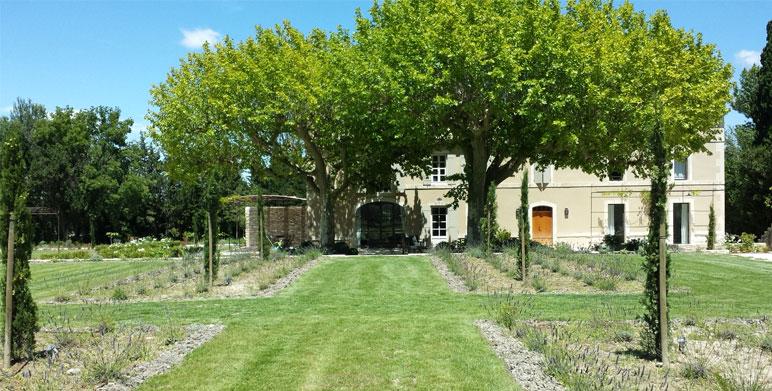 Jardin d'une bastide provençale, St Rémy-de-Provence